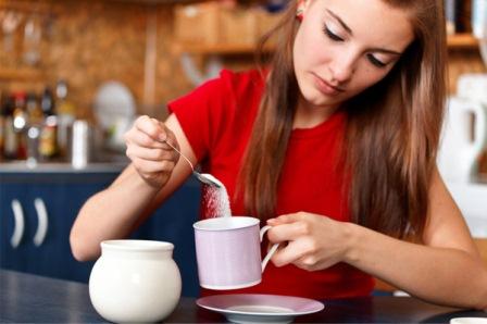 woman-pouring-sugar
